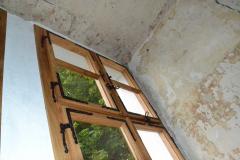 Detail kování, nové okno pro zámek
