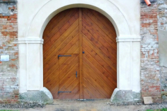 Dokončená vrata , pohled zvenku