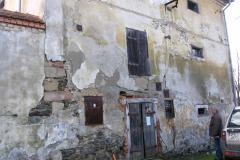 Dveře do sýpky před rekonstrukcí