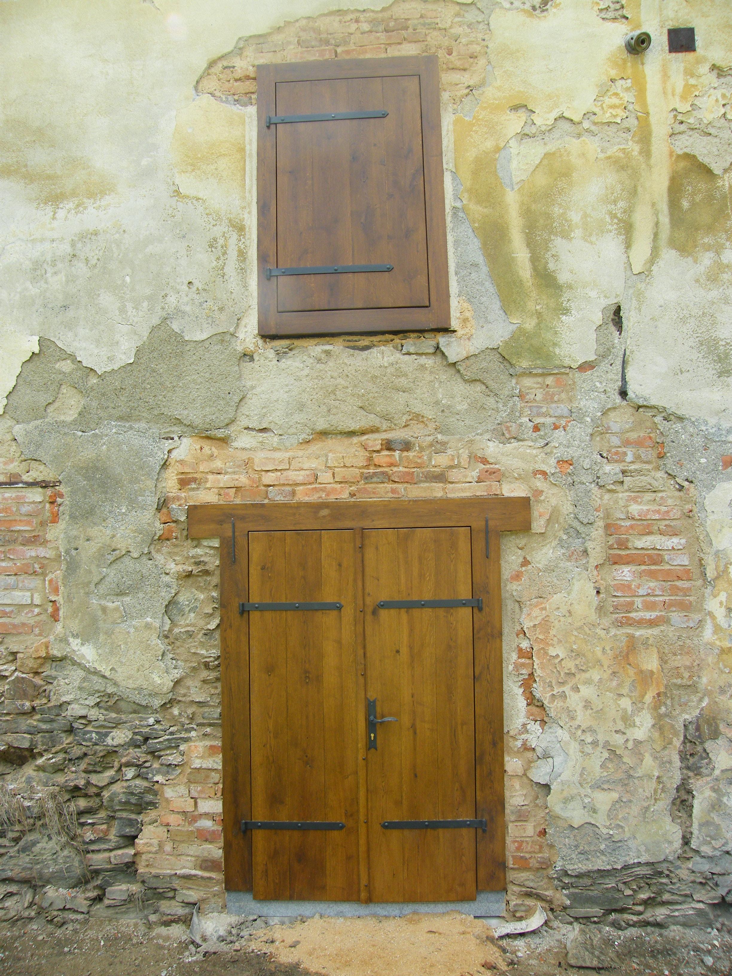 Nové dveře do sýpky, zámek Čečovice